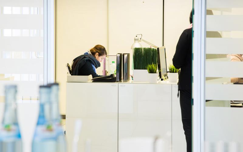 DLSE Mietmöbel – Büro/Empfangsbereich